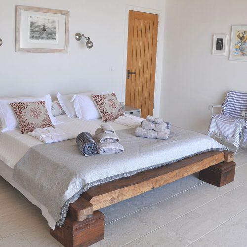 DSC_0327_2000_1st_Floor_ bedroom