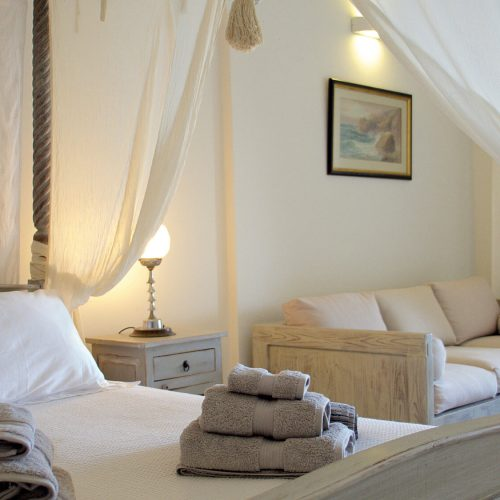 P1080154_2000_ Garden_bedroom