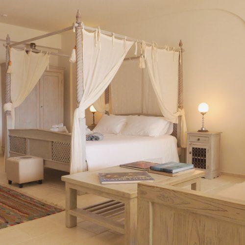 P1080537_2000_ Garden_ bedroom