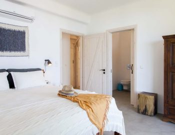 Bedroom 1: With ensuite bathroom