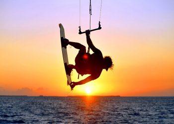 keys-kite-surfing-sunset-greek-slands-1.jpg