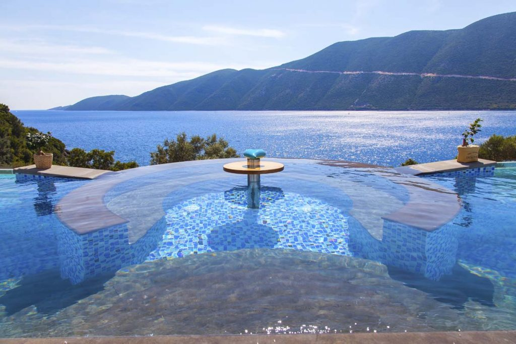 sappho-boutique-suites-vasiliki-lefkada-greece-infinity-pool