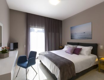 villa-acastel-corfu-greece-twin-bedroom