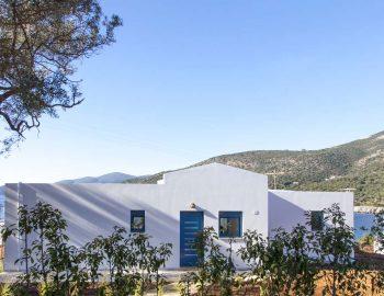 villa-alma-ammouso-lefkada-front-entrance