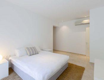 Bedroom 4: Double bedroom with ensuite bathroom lower level