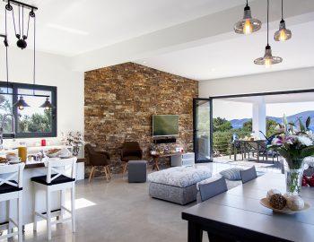 villa-del-mar-lefkada-ammouso-dining-room