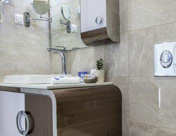 villa-del-mar-lefkada-ammouso-family-bathroom-shower