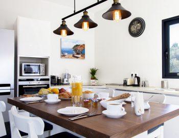 villa-del-mar-lefkada-ammouso-fully-equipped-kitchen