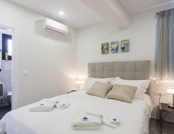 villa-del-mar-lefkada-ground-floor-master-bedroom-view