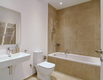 villa-elianna-corfu-greece-family-bathroom