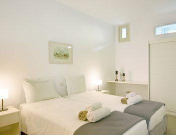 villa-elianna-corfu-greece-twin-bathroom