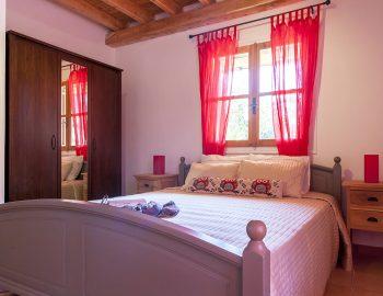 villa-four-seasons-katouna-lefkada-greece-double-bedroom