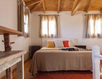 villa-four-seasons-katouna-lefkada-greece-master-bedroom