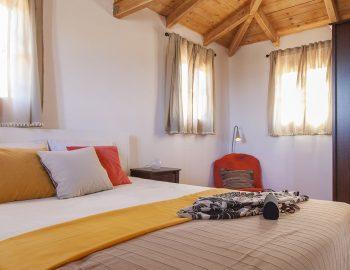 villa-four-seasons-katouna-lefkada-greece-upstairs-master-bedroom