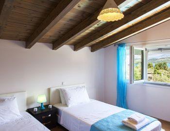 Bedroom 2: Twin bedroom first floor