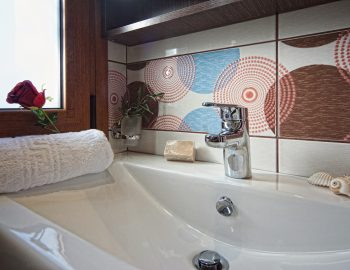 villa-peleka-corfu-greece-luxury-bathroom