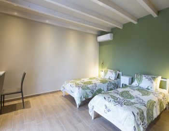 villa-ranna-corfu-greece-luxury-twin-bedroom
