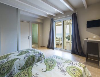 villa-ranna-corfu-greece-luxury-twin-bedroom-sea-view