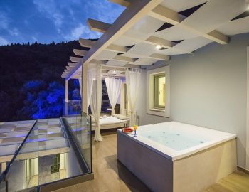 villa-ranna-corfu-greece-outdoor-jacuzzi