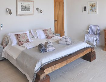 villa-seaview-corfu-greece-first-floor-bedroom