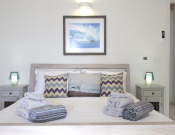 villa-seaview-corfu-greece-pool-bedroom