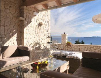 villa-seaview-corfu-greece-terrace-dining