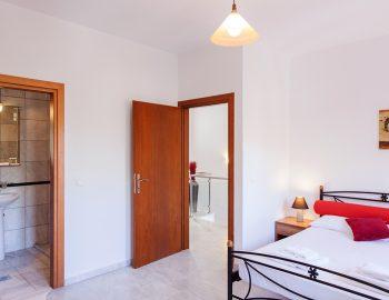 Bedroom 3: Double bedroom with ensuite bathroom first floor