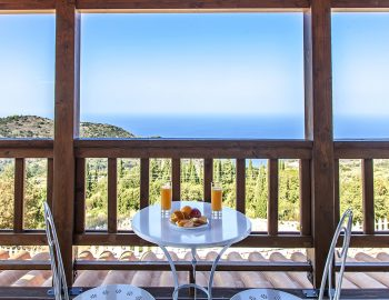 villa-vissala-alkanna-accommodation-lefkada-lefkas-upstairs-balcony