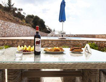 villa-vissala-arnebia-accommodation-lefkada-lefkas-arnebia-outdoor-dining-area