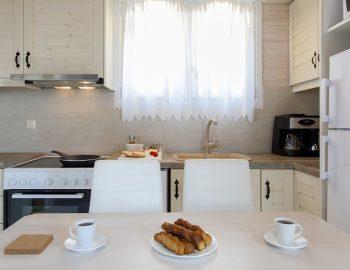 villa-vissala-arnebia-accommodation-lefkada-lefkas-dining-kitchen-area