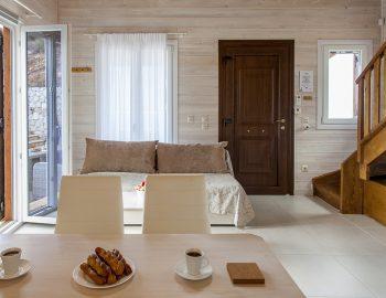 villa-vissala-arnebia-accommodation-lefkada-lefkas-dining-lounge-area
