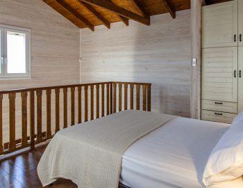 villa-vissala-arnebia-accommodation-lefkada-lefkas-upstairs-double-bedroom-luxury