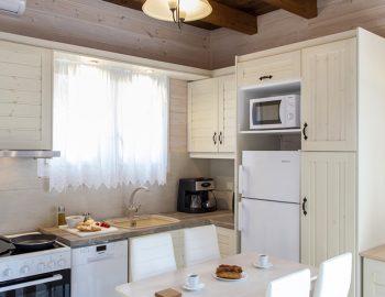villa-vissala-arnebia-accommodation-lefkada-lefkas-xortata-dining-kitchen-area