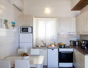 villa-vissala-minuartia-accommodation-lefkada-lefkas-dining-kitchen-area