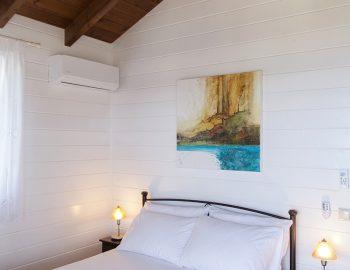 villa-vissala-paeonia-accommodation-lefkada-lefkas-double-bedroom