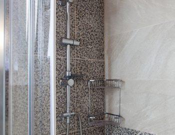 villa-vissala-paeonia-accommodation-lefkada-lefkas-family-bathroom-with-shower