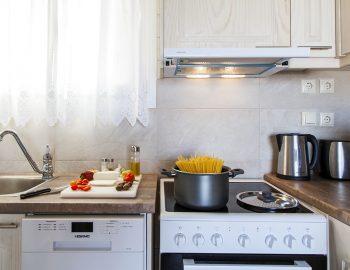 villa-vissala-paeonia-accommodation-lefkada-lefkas-xortata-fully-equipped-kitchen