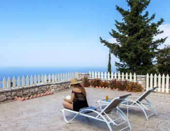 villa-vissala-paeonia-accommodation-lefkada-lefkas-xortata-girl-on-sunbed