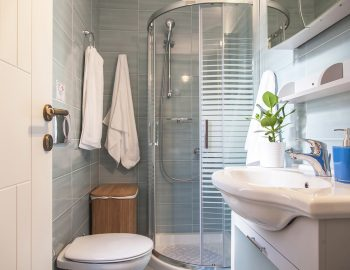 villa-zogianna-nikiana-lefkada-lefkas-accommodation-ensuite-bathroom
