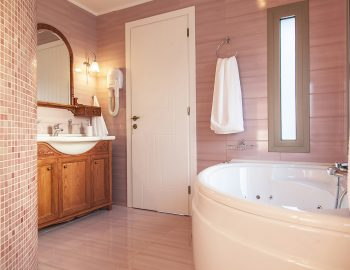 villa-zogianna-nikiana-lefkada-lefkas-master-bathroom-luxury