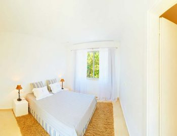 whatsongreece-villa-aurora-eugiros-lefkada-double-bedroom-door