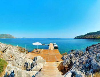 whatsongreece-villa-aurora-eugiros-lefkada-jetty-boats