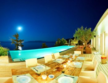whatsongreece-villa-aurora-eugiros-lefkada-outside-sitting-table-night