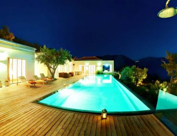 whatsongreece-villa-aurora-eugiros-lefkada-pool-night-