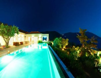 whatsongreece-villa-aurora-eugiros-lefkada-pool-night-lights