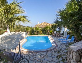 Villa-aliki-in-tsoukalades-lefkada-greece-with-private-pool-and-garden