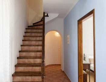 Villa-Aliki-in-tsoukalades-lefkada-greece-with-inside-stairs