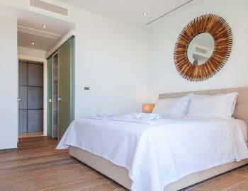 Bedroom 1: Double bedroom with ensuite bathroom