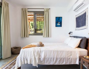 Bedroom 1: Double bedroom