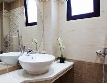 Bathroom 2: On the first floor